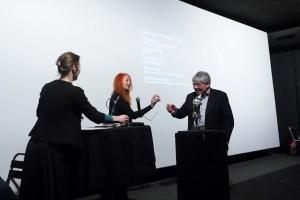 Kirill Razlogov reçoit Prix Présent pour Vitaly Mansky