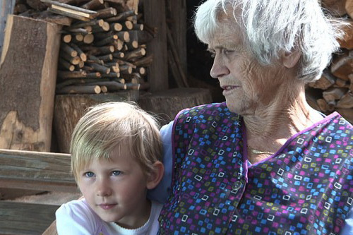 Banditenkinder-Enfants slovènes volés /  Banditenkinder-Slovenskemu Narodu Ukradeni Otroci